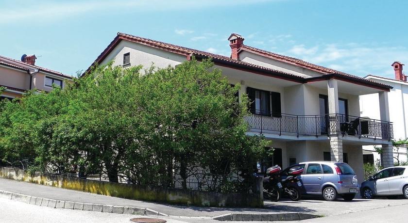 online rezervacije Three-Bedroom Apartment with Sea View in Izola
