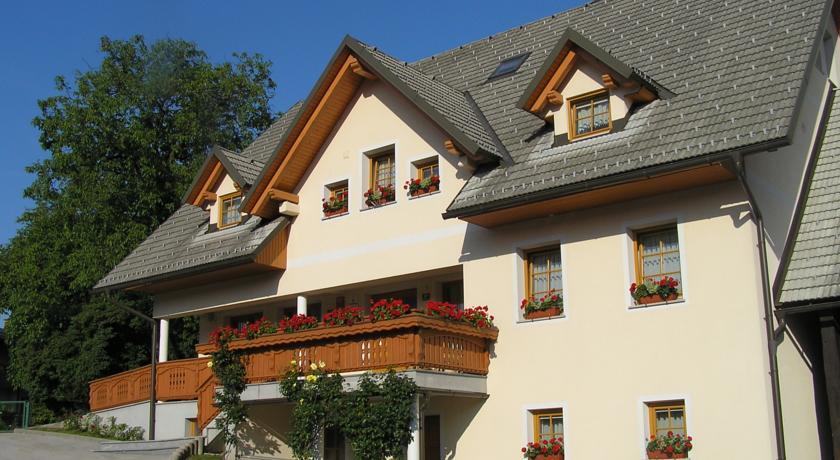 online rezervacije Turizem Loka Bed and Breakfast