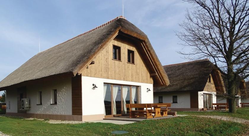 online rezervacije Two-Bedroom Holiday home Moravske Toplice with an Outdoor Swimming Pool 07