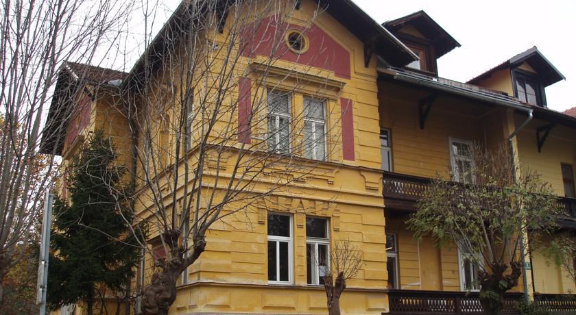 online rezervacije Vila Veselova Hostel
