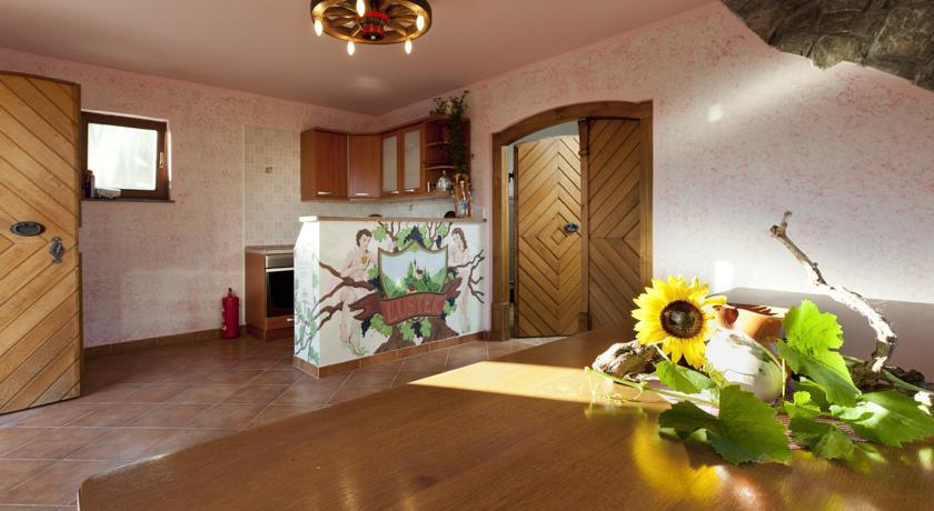 online rezervacije Vineyard Cottage Lustek